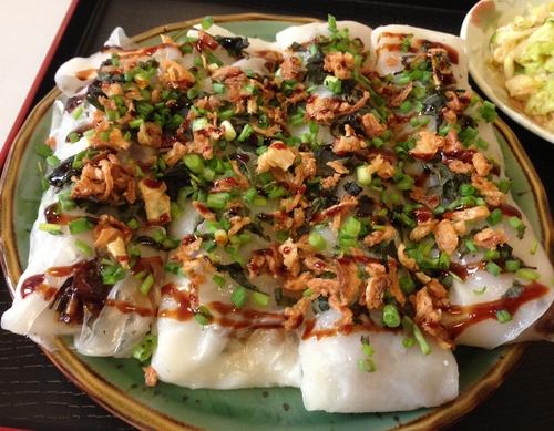 BÀNH CÚON Thít Kho – Crêpes de riz et tapioca farcies à la poitrine de porc caramélisée