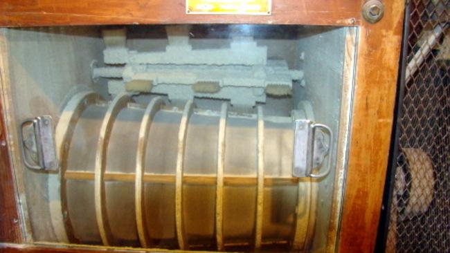 Intérieur du moulin (suite)