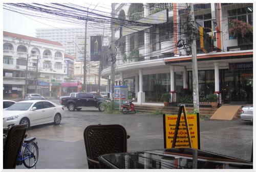 Journée de mousson en Asie.