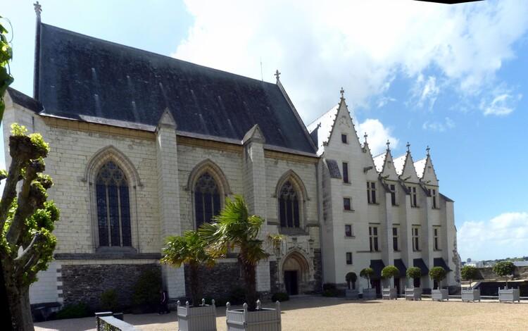 Chapelle et logis royal