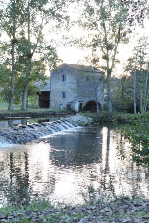 Pont du Gourgé et moulin (1)