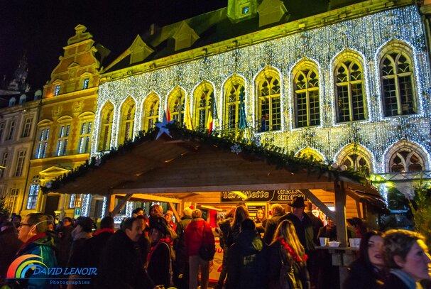 "MONS COUR EN NEIGE 2014 ,kerstmarkt,Christmas market,Weihnachtsmarkt,Weihnachten Spaziergang,patinoire, sapin, village, Noël, chalets, luge, Mons 2014, coeur en neige, 2015, be, marché noel, Mons ""Cœur en Neige"" 2014, L'Homme et la technologie,"