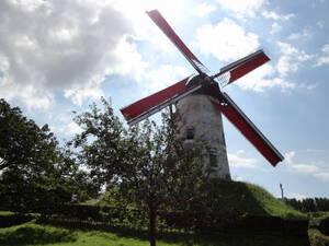 Ton moulin, ton moulin va trop vite
