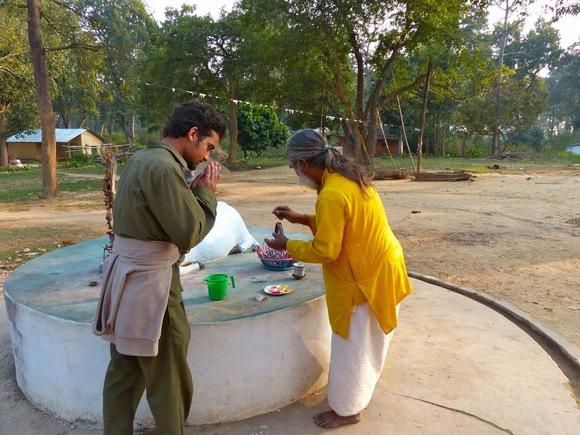 un petit temple dédié à Shiva près de notre lodge