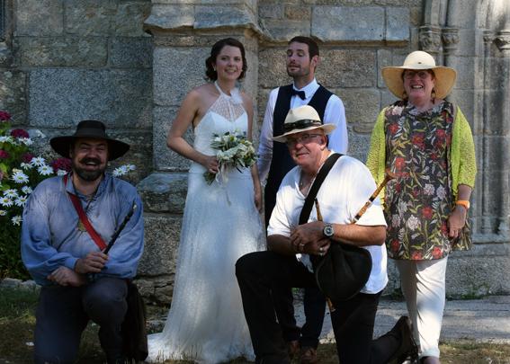 Petit souvenir - Les mariés avec les sonneurs