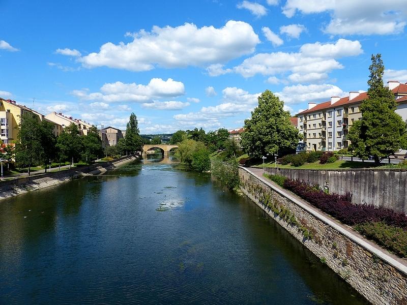 Metz / Les jardins autour du Conseil Régional de Lorraine...
