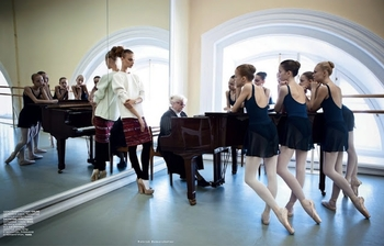 Lady in Red Anna Selezneva by Patrick Demarchelier Vogue Russia October 2012 ballet school 4