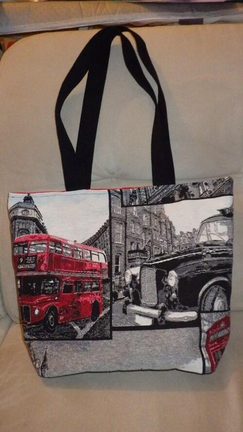 Une série de sacs