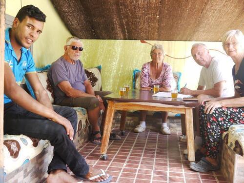 Thé sous la tente