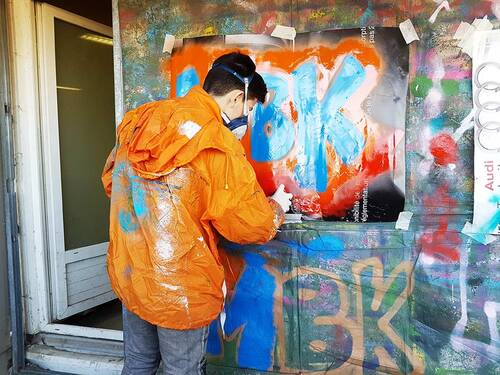 atelier graff durant 2 apres-midi à l'atelier relais Lunel (34) 6 jeunes : valorisation, travail sur la confiance, realisation de projet. janvier 2017