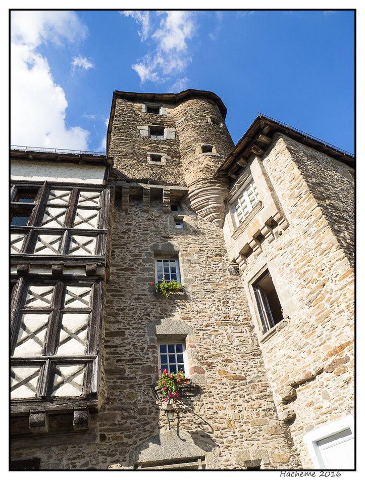 Ségur le Château.