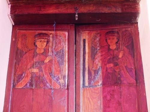 l'intérieur de la cathédrale moderne