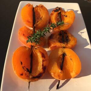 Brochettes d'abricots à la vanille