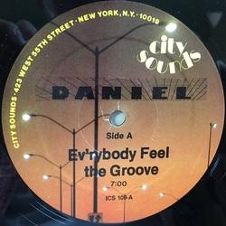 Daniel Sahuleka - Ev'rybody Feel The Groove