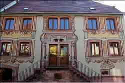 * Haut-Rhin * Trompe l'oeil sur une maison Saint-Hippolyte