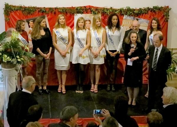 Arrivée de Miss France et de ses dauphines à Châtillon sur Seine....