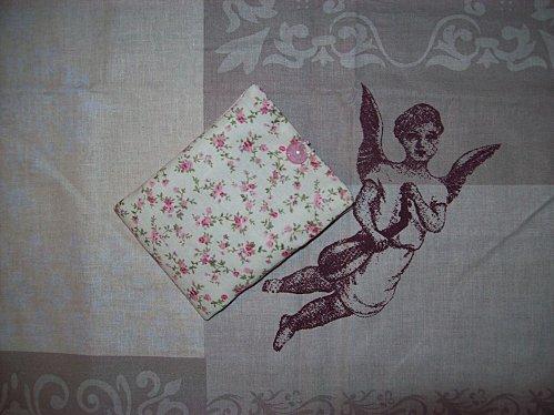 cadeaux Brigitte pique-aiguilles fermé et coupon Ange