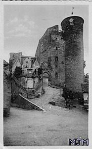 Coupiac Entree du Chateau 194X