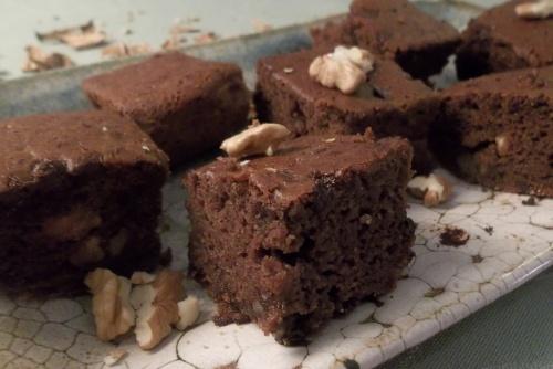 Le brownie parfait sous tous rapports, qu'on peut présenter à tout le monde