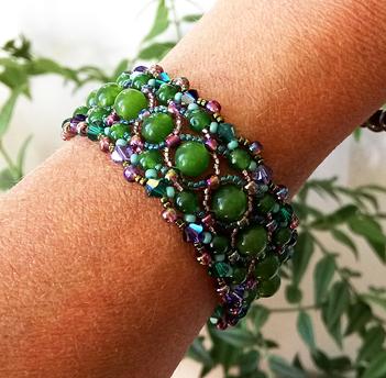 Bracelet tissé Pierre de Jade vert et Cristal de Swarovski / Fermoir Toggle coeur plaqué argent