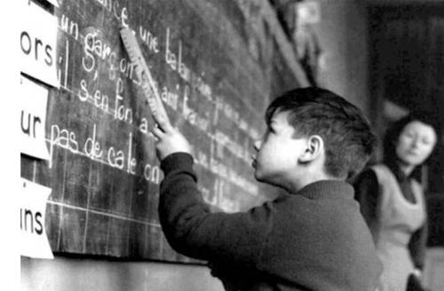 05 - Sur les bancs de l'école, vu par Doisneau