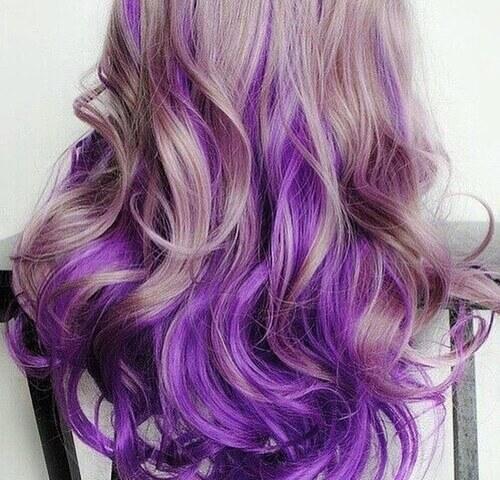 Cheveux colorés