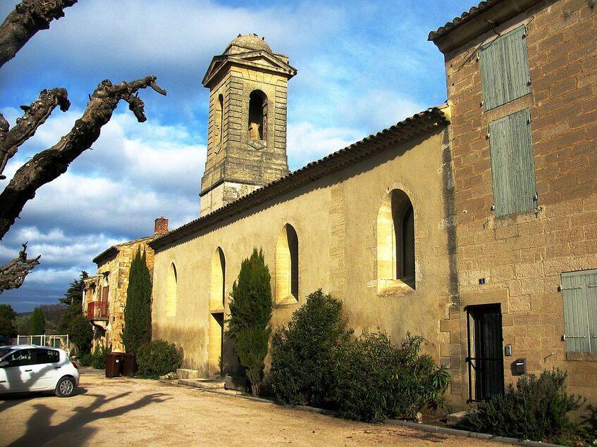 Saint-Hilaire-d'Ozilhan Nef de l'église.JPG
