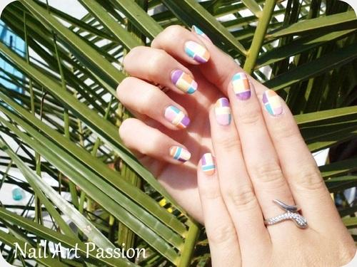 Nail art pastel géométrique