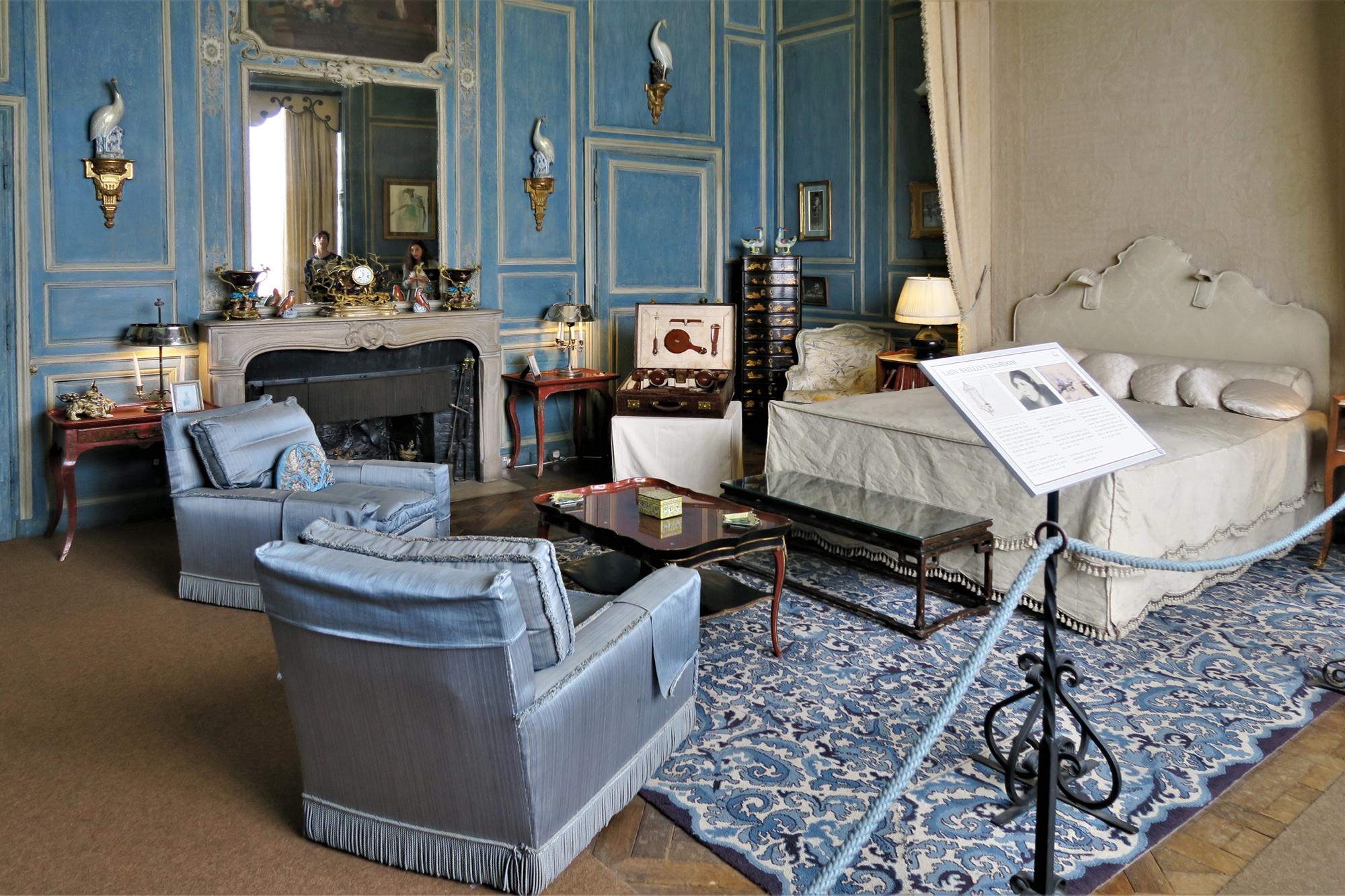 La Chambre de Lady Baillie, aménagée en 1936 par le décorateur Français Stéphane Boudin, dans le style Régence (début XVIII)