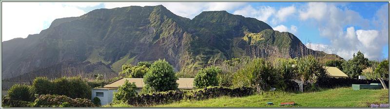 """Notre première visite de la journée : rejoindre le sommet du """"Volcan 1961"""" - Edinburgh of the Seven Seas - Tristan da Cunha"""