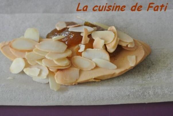 Chaussons croustillants au foie gras