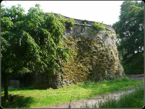Remparts et fortifications