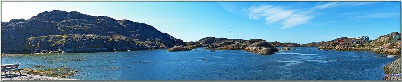 Départ pour la visite de Sisimiut en empruntant la rue principale - Groenland