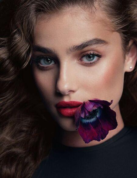 Femmes & fleurs