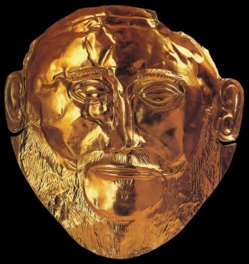 Le prétendu Masque d'Agamemnon, découvert à Mycènes. On sait maintenant que le masque mortuaire recouvert d'une feuille d'or précède Agamemnon d'environ 300 ans.