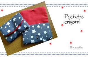 """Pochette origamie : Cousue à partir du patron de la sacoche """"appareil photo"""" de L'étoile de coton."""