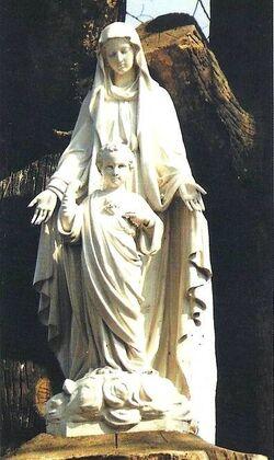 Notre-Dame du Sacré-Coeur - Issoudun - Statue du Parc