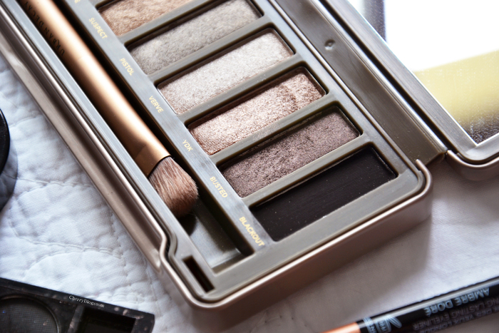 Chanel, Sleek, Urban Decay, le combo parfait