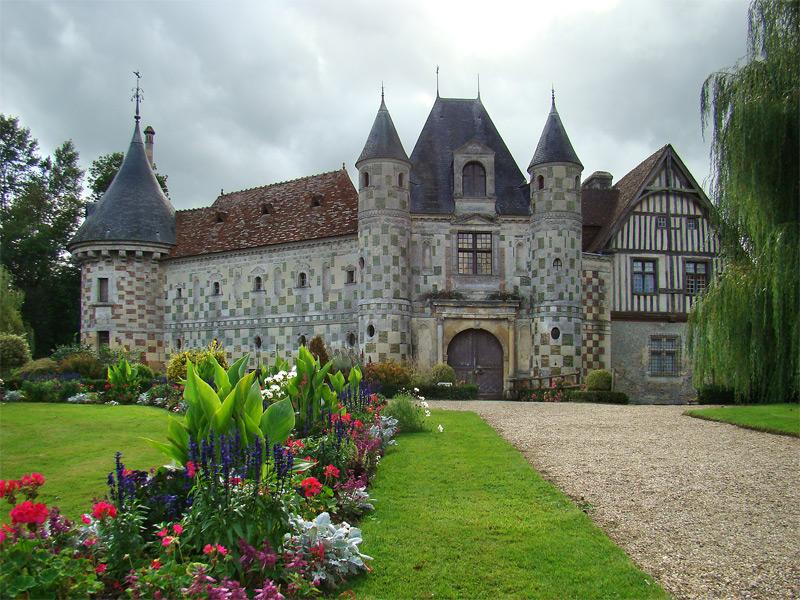 Le château de Saint-Germain-de-Livet.