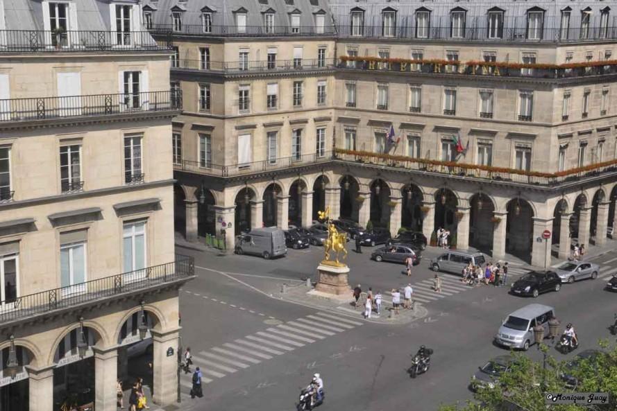 DSC2738-mgalweb statue Jeanne d'Arc de la grande roue