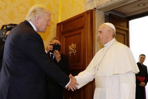 Rencontre, ce matin, du pape François et de Trump