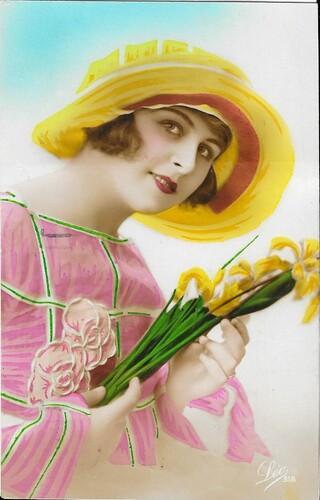 Femmes Chapeautées années 20