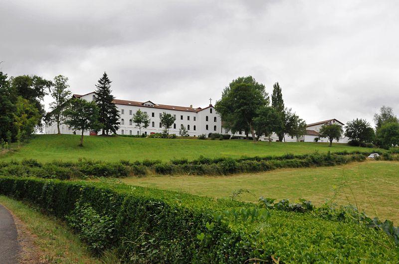 Urt : abbaye Notre-Dame de Belloc