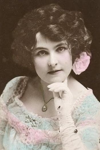 1905glovedbeauty