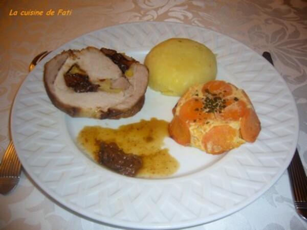 Roti de porc farci aux pruneaux et pommes