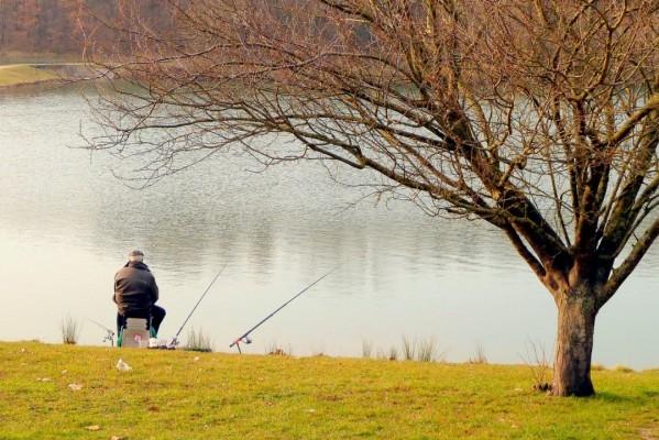 w12 - Le pêcheur assis