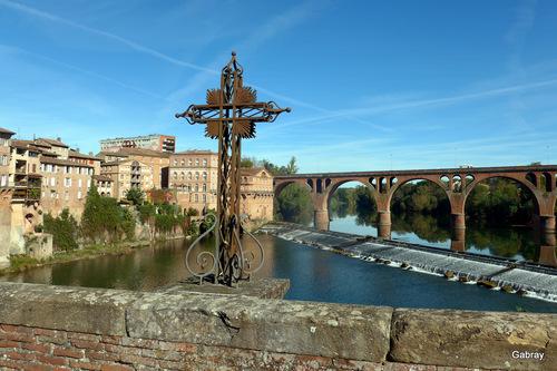 Albi: le Tarn et les ponts .