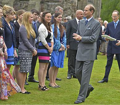 Edward à la garden party