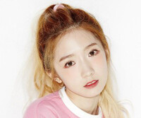 """WJSN's Mei Qi """"Would You Like"""" promotional picture."""