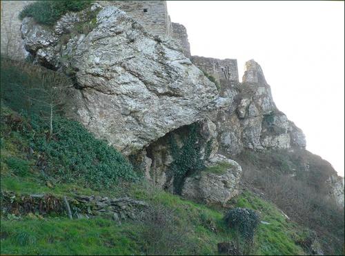 Ossuaire de La Roche-Maurice